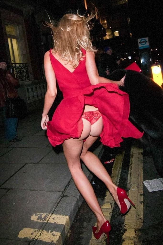 Kimberley Garner Upskirt While Shopping In Beverly Hills