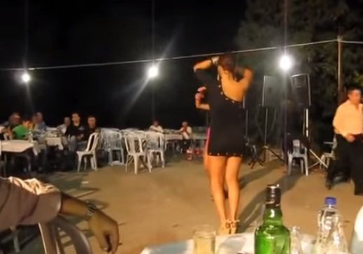 Video. Αρρωστησε και το κλαρινο με το κουνημα της…(ΑΡΡΏΣΤΙΑ ΣΤΟ ΦΟΥΛ)