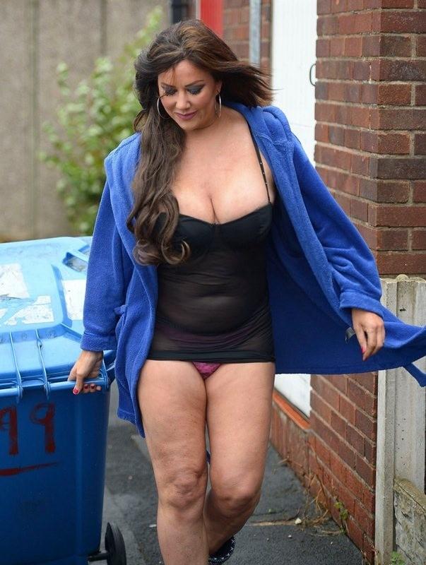 Lisa-Appleton-Ass-taking-out-garbage-Warrington-Kanoni-4