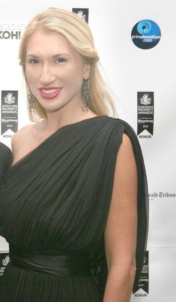 Η Τζίνα Ξανθάκη.