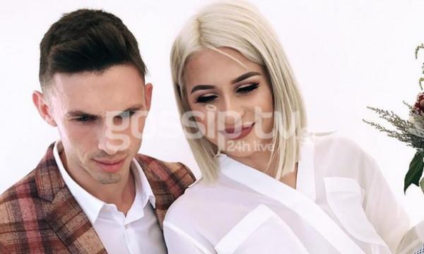 Το φωτογραφικό άλμπουμ από τον πολιτικό γάμο του Απόστολου Γιάννου