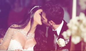 Το φωτογραφικό άλμπουμ από το γάμο του Σεσκ Φάμπρεγας