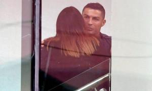 Ο Κριστιάνο Ρονάλντο συναντήθηκε με γυναίκα στο ξενοδοχείο της Γιουβέντους (pics)