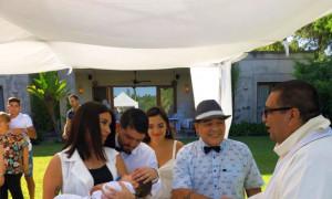 Ο Μαραντόνα πήγε στη βάφτιση του εγγονού του λίγες ώρες μετά το εξιτήριο από το νοσοκομείο (pics)