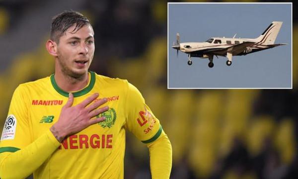 Το σοκαριστικό μήνυμα του Σάλα: «Το αεροπλάνο μοιάζει να διαλύεται, φοβάμαι» (audio)