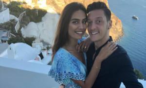 Ο Οζίλ παντρεύεται και βοηθάει παιδιά που έχουν ανάγκη (pic)