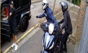 Νέο σοκαριστικό βίντεο από την επίθεση σε Οζίλ και Κολάσινατς