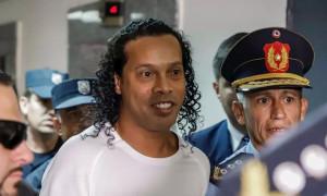 Νέο βίντεο από τη ζωή του Ροναλντίνιο στη φυλακή – Δείτε τι κάνει! (vid&pics)