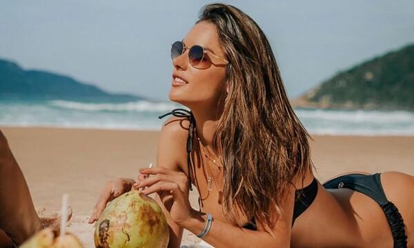 Η Αλεσάντρα Αμπρόσιο κάνει κόλπα με τη μπάλα και... τρελαίνει κόσμο (pics)