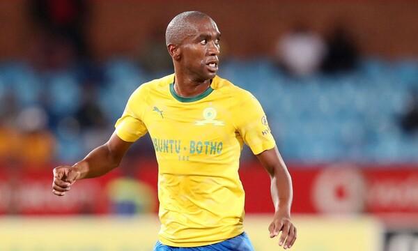 Ανέλε Ενγκόνκα: Νεκρός σε τροχαίο ο Νοτιοαφρικανός ποδοσφαιριστής (vid)
