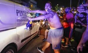 Ντιέγκο Μαραντόνα: Σπαρακτικές κραυγές κατά τη μεταφορά της σωρού του (vid)