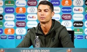 Euro 2020: Έξαλλος ο Κριστιάνο Ρονάλντο με την... Coca Cola – Τι συνέβη; (vid)