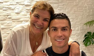 Κριστιάνο Ρονάλντο: Η επιθυμία της μητέρας του πριν πεθάνει - Τι ζήτησε από τον γιο της