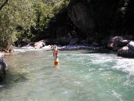 μυστικιστικό ποτάμι Συνδέστε τη δεξαμενή αποθήκευσης νερού
