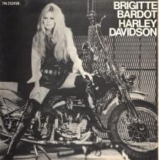 H Mπριζίτ Μπαρντό τραγουδάει για τη Harley Davidson (απίστευτο video)